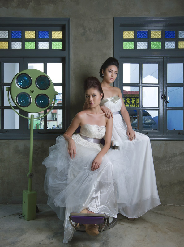 SC745 Jos + Rach gowns