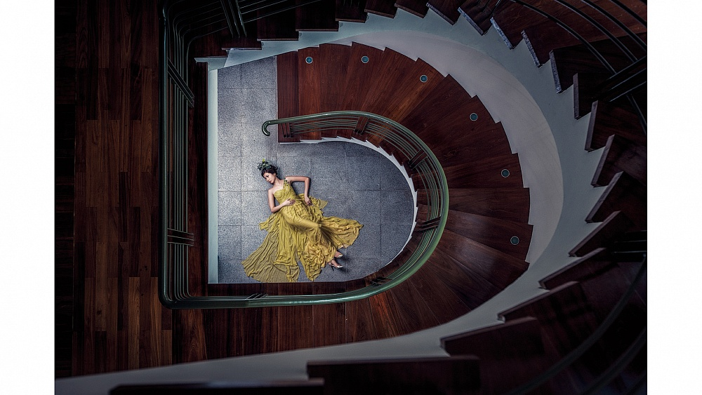 Another fashion designer who created her own gowns for her wedding.  This image won the MPA Overseas Comtemporary Wedding Photographer of the year in 2010.